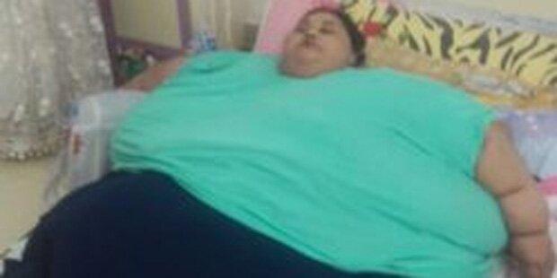 500-Kilo-Frau reist für OP nach Indien