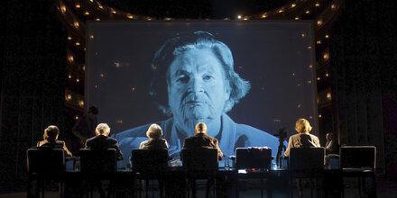 """""""Die letzten Zeugen"""" im Burgtheater"""