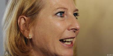 Die Ministerin verteidigt die Großinvestitionen