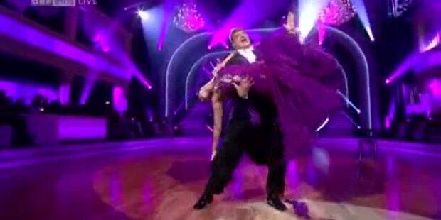 Dieter Chmelar tanzt einen Quickstepp