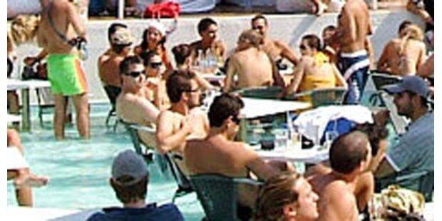 Pool-Drama auf Party-Insel