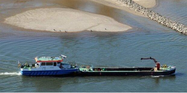 Frachtschiff auf der Donau gesunken