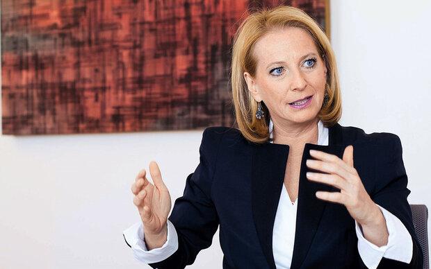 Doris Bures im MADONNA-Talk