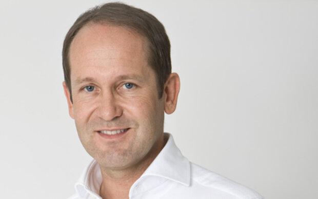 MADONNA verlost Nasen-OP bei Dr. Jörg Knabl