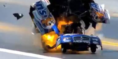 Drag Racer explodiert bei Rennen mit 400km/h
