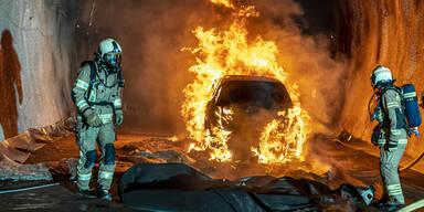 Halten heimische Tunnel brennenden E-Autos stand?