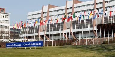 Corona: Europarat sieht Demokratie durch Pandemie in Gefahr