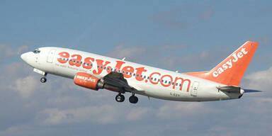 Easyjet warf Frau im Rollstuhl aus Flugzeug