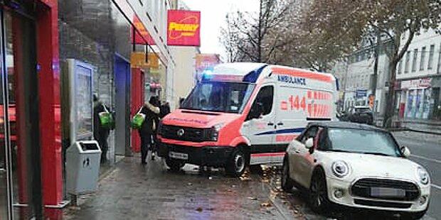 20 Jährige Kollabierte In Wien An Penny Markt Kassa