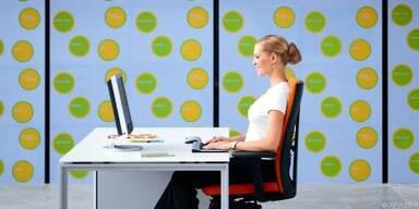 Ein guter Bürostuhl ist beim Arbeiten unerlässlich