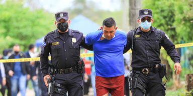 Ex-Polizist versteckte 10 Leichen auf Grundstück