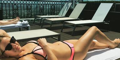 Pink Summer | Ellie Goulding zeigt ihren top Bikini-Body