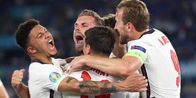 England gegen zähe Dänen um Finalticket