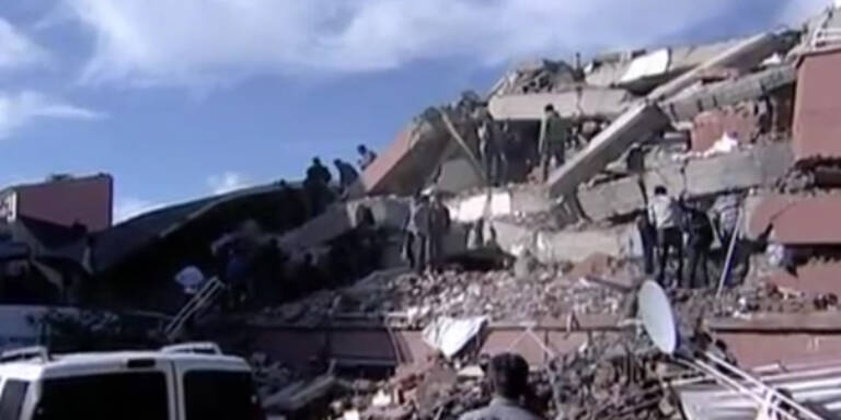 Schweres Erdbeben erschüttert Türkei