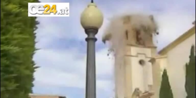 Spanien: Kirchturm durch Beben eingestürzt
