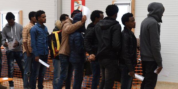 Kein Handyempfang: Flüchtlinge randalieren in Asylheim