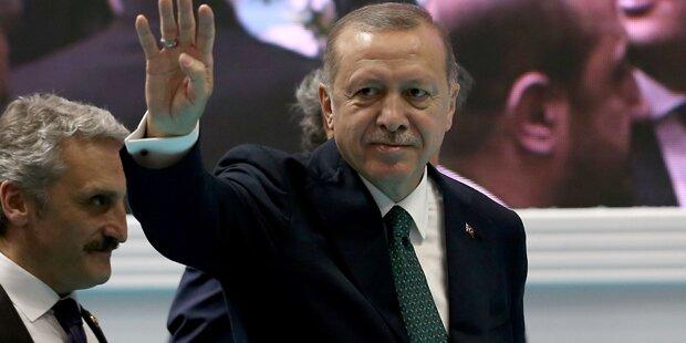Erdogan telefoniert mit Merkel und Putin wegen Islam-Gipfels