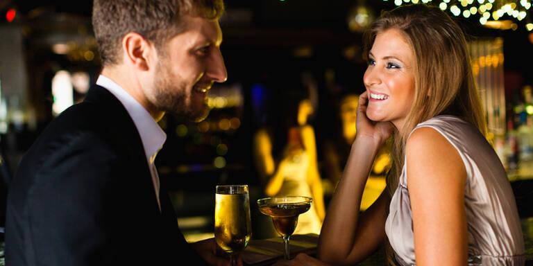 10 Lügen, die ER beim ersten Date erzählt