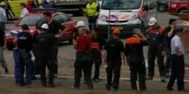 Stadion-Dach eingestürzt: 1 Toter