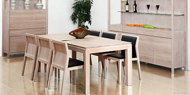 Eschenholz lässt Möbel leicht und hell wirken
