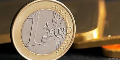 Euro stürzt weiter ab