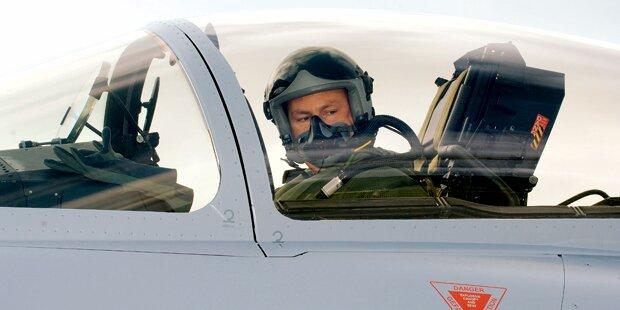 Eurofighter: Sechs Piloten eingespart