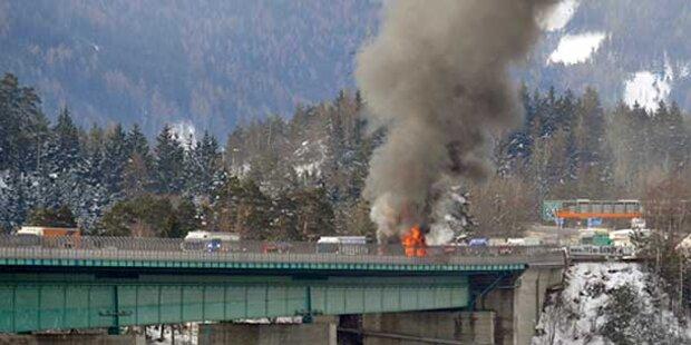 LKW explodierte: Europabrücke gesperrt