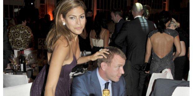 Was läuft zwischen Eva Mendes und Guy?