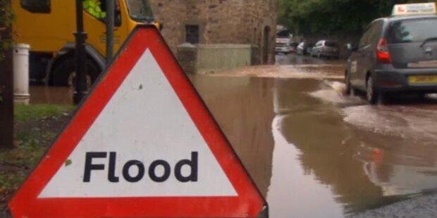 Sintflutartige Regenfälle in England