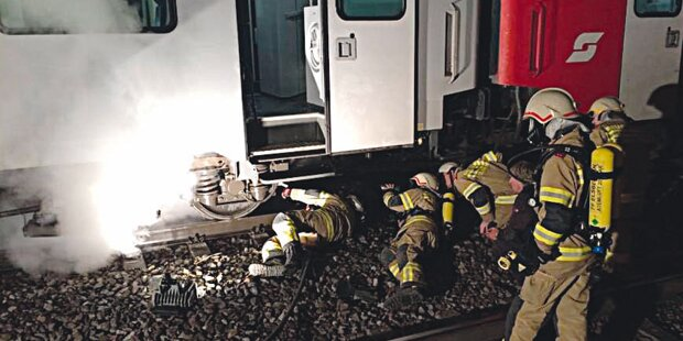 Brand-Alarm: Zug mit 100 Fahrgästen evakuiert