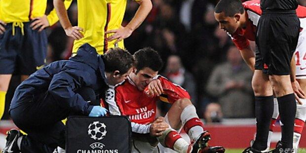 Spanier Fabregas erlitt Wadenbeinbruch