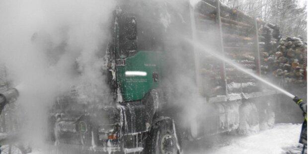 Lkw fing auf der B50 Feuer