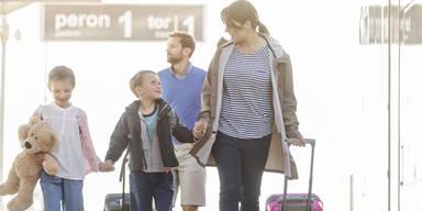 Familie Kinder Flughafen