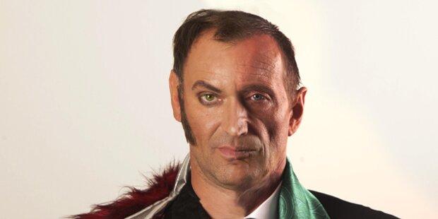 Adi Hirschal bringt Faust auf Bühne