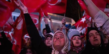Feier Erdogan Referendum