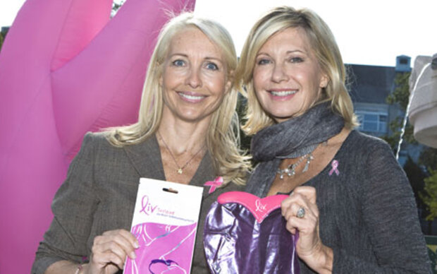 Olivia Newton John bei Pink Ribbon