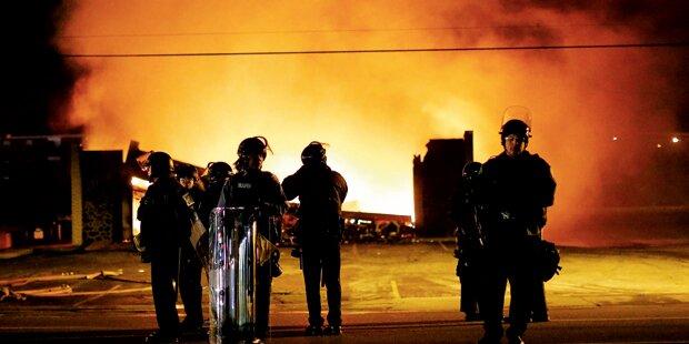 USA stehen in Flammen