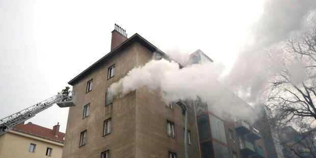 Wien: Dramatische Rettung von Mann aus Hochhaus