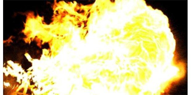 Reisebus auf der Tauernautobahn in Brand geraten