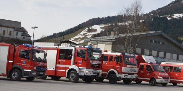 580 Feuerwehrmänner im Einsatz