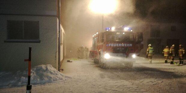 Bauernhof im Flachgau in Flammen