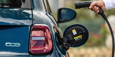 Alternative Antriebe erstmals vor Benzin- und Diesel-Pkw