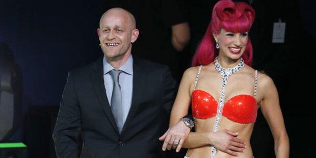 Jürgen Vogel kam mit Bikini-Girl auf Bühne