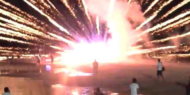 Dramatisch: Feuerwerk gerät außer Kontrolle