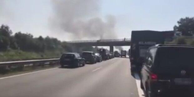 Lkw-Crash: Hunderttausende Fischstäbchen verbrannt