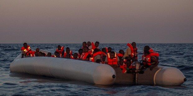 Acht Migranten im Mittelmeer gestorben