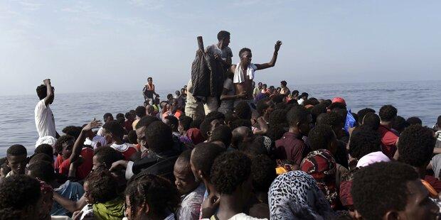Italien schlägt Alarm: NGOs arbeiten mit Schleppern zusammen