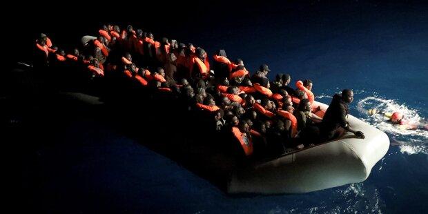 Tausend Flüchtlinge aus Seenot gerettet