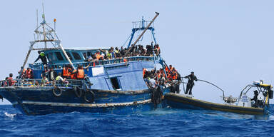 Flüchtlinge Schiff