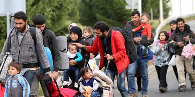 Plus 90 Prozent: Zahl der Asyl-Anträge explodiert